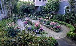 How to Build the Perfect Perennial Flower Garden