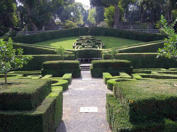 Gorgeous Garden Design Inspiration From Italy France